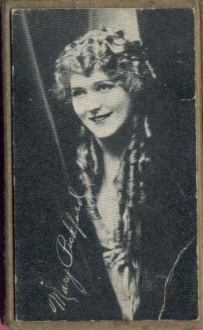 "Mary Pickford on the reverse side of the Kromo Gravure ""No Border"" box"