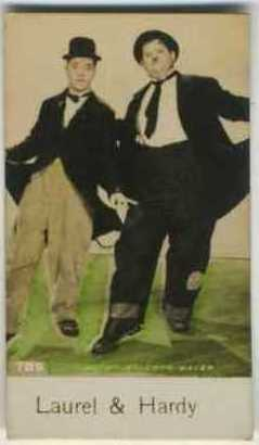 Laurel and Hardy - 1935 De Beukelaer Movie Card
