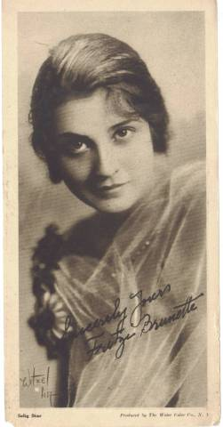 1916 Water Color Company Fritzi Brunette Premium Photo